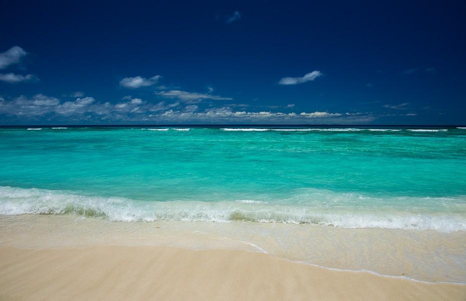 Jekabs Andrushaitis reverie chaser water seychelles silhouette hilton labriz