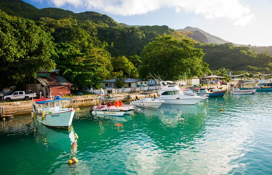 boats mahe seychelles pbel ombre ferry hilton labriz transfer boat