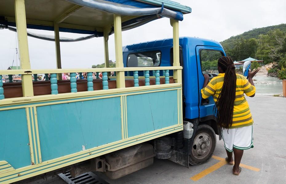 driver bus la digue transfer funny seychelles