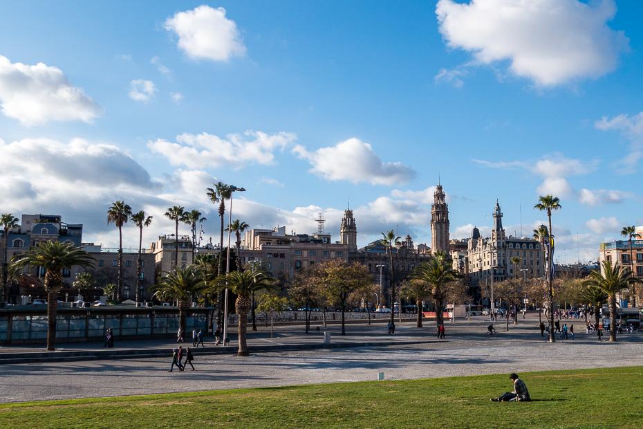 city barcelona promenade