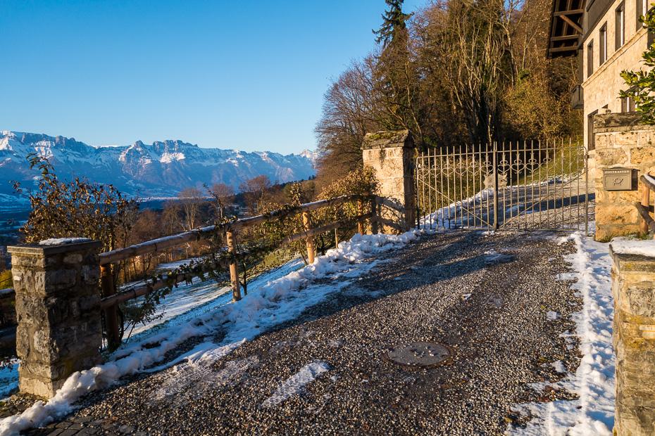 liechtenstein castel mountains spring
