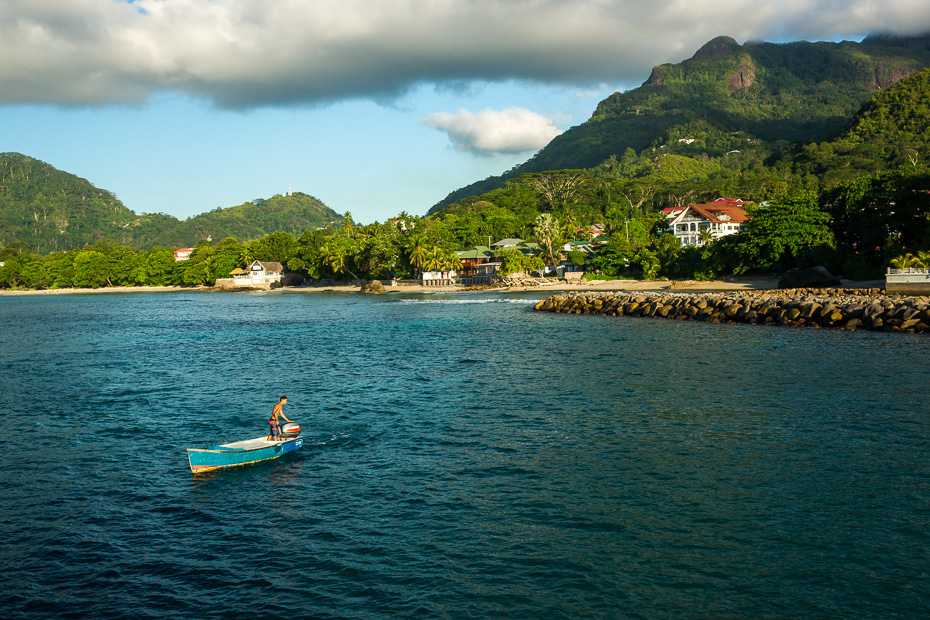 seychelles mahe silhuette indian ocean ferry bel ombre jetty