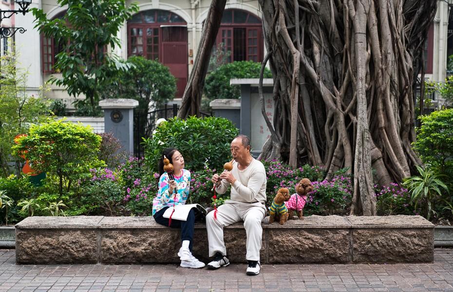 street musicians guangzhou shamian