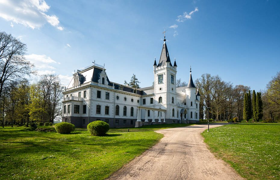 The Road of Light – visiting Aluksne, Cesvaine, Stameriena and Smiltene in Latvia