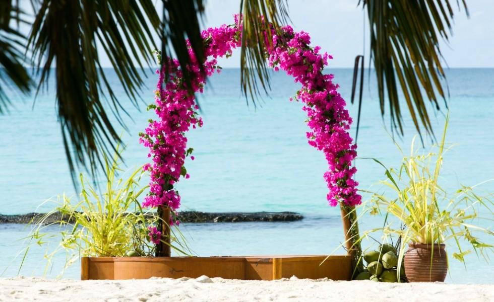 wedding abroad destination vows beach