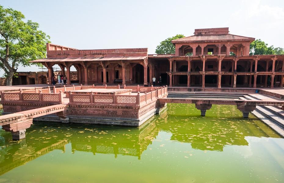 abandoned fatehpur sikri city