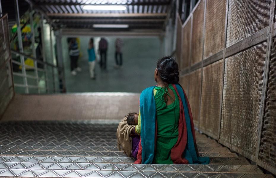 beggars india agra rail station