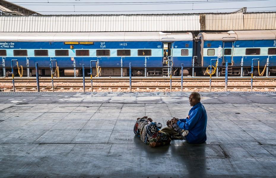 passengers india agra railway station