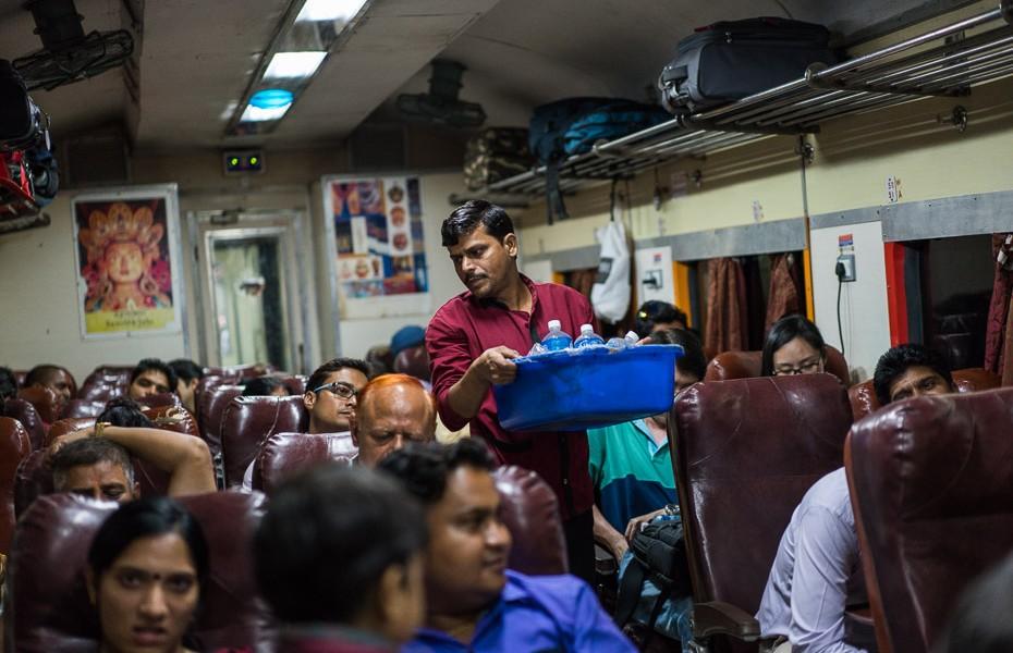 train agra delhi india